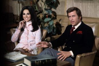 "UNITED STATES - JULY 21: THAT GIRL - ""Rattle of a Single Girl"" 6/8/70 Marlo Thomas, Ted Bessell (Photo by ABC Photo Archives/ABC via Getty Images)"