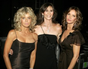 Mandatory Credit: Photo By Drinkwater/NBCUPHOTOBANK / Rex Features Farrah Fawcett, Kate Jackson and Jaclyn Smith 58th Annual Primetime Emmy Awards Ceremony, Los Angeles, America - 27 Aug 2006 EXCLUSIVE UKH EMMYS