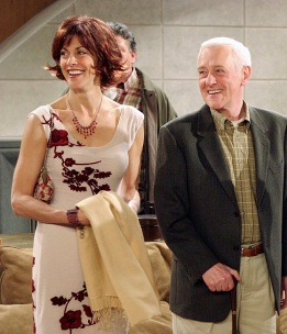 "FRASIER -- ""Goodnight, Seattle"" Episode 21 -- Pictured: (l-r) Wendie Malick as Ronee Lawrence, John Mahoney as Martin Crane, Kelsey Grammer as Dr. Frasier Crane -- (Photo by: NBC/NBCU Photo Bank)"